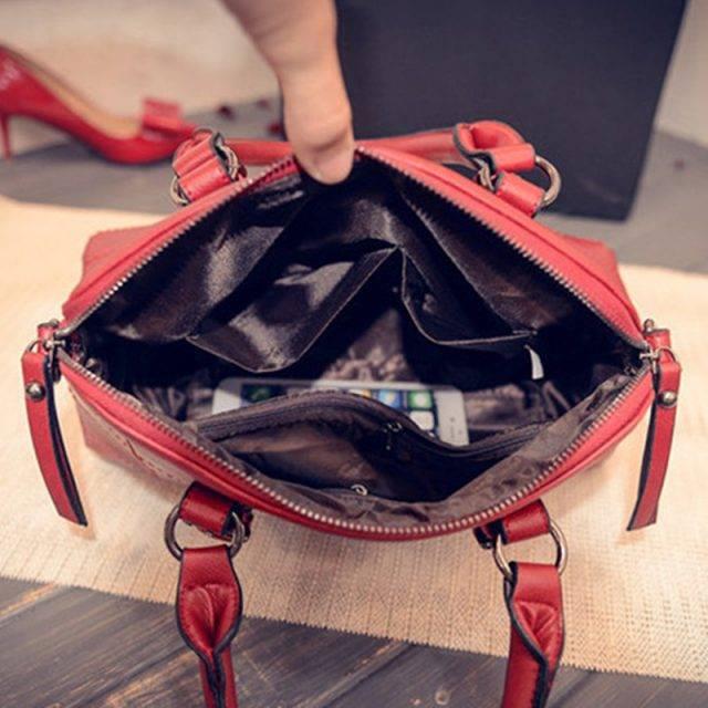 Women's Fashion Shoulder Bag with Plush Bear